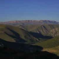 Тени и горы :: M Marikfoto