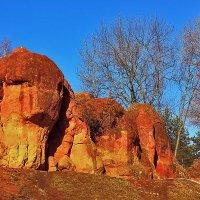 Красные камни :: Леонид Сергиенко