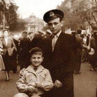 с отцом на демонстрации :: Александр Корчемный