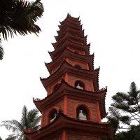 Пагода в Ханое :: Василий