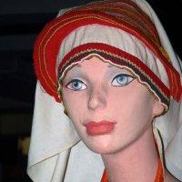 девушка в национальном мордовском костюме :: Юлия Денискина