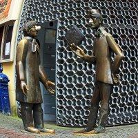 Памятник Двое из ларца :: Alexander
