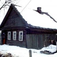 дом у колодца :: Сергей Кочнев
