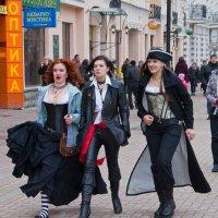 Пираты на пути в Макдональдс. :: Яков Реймер