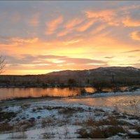 Весенний рассвет на Енисее :: galina tihonova