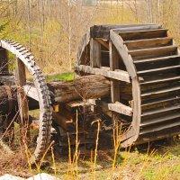 водяное колесо скоро будет ресстоврация. :: petyxov петухов