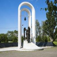 Памятник чернобыльцам. :: Александр Рейтер