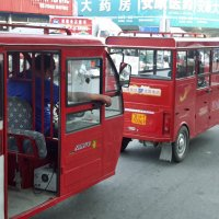"""Продвинутые рикши """"электромобиль"""" Китай г.Хуньчунь :: Евгений Подложнюк"""