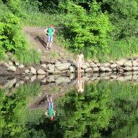 Великие Луки. Река Ловать - отражения в воде... :: Владимир Павлов