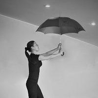 Девушка с зонтиком :: Екатерина Рябинина