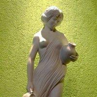 Девушка с кувшином :: Сергей Карачин