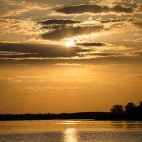 Закат на реке Волге :: Александра Гальцева