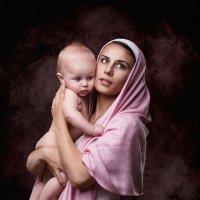 Мадонна с младенцем :: Ольга Зимницкая