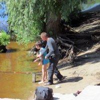 Ловись рыбка большая и маленькая! :: раиса Орловская