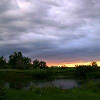 Нас утро встречает рассветом... :: Евгений Юрков