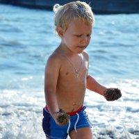 Малыш на пляже) :: Наталья Шелыганова