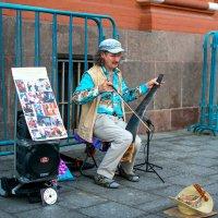 Уличный музыкант :: Альберт Ханбиков
