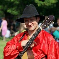парень с гитарой :: Олег Лукьянов