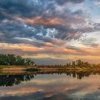 Летний вечер на реке Ахтуба :: Александр Афромеев