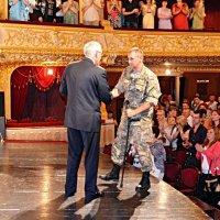 Нагородження воїна АТО :: Степан Карачко