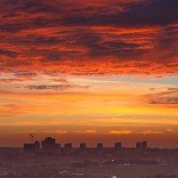 Закат закончил летний теплый вечер... :: Yuri Chudnovetz