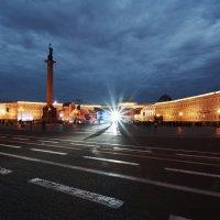 Дворцовая площадь :: Виктор Печуркин