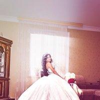 Невеста и шикарное платье :: Тагир Гасратов