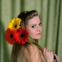 С цветами :: Виктор Филиппов