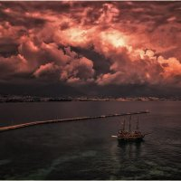 Скоро что то будет...Алания,Турция! :: Александр Вивчарик