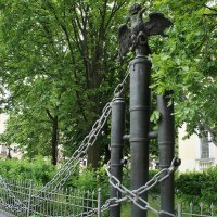 Ограда вокруг Собора Преображения Господня всей гвардии :: Елена Смолова