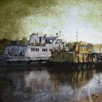 Как провожают пароходы??? :: Tatiana Markova