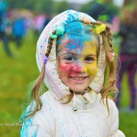 На фестивале  красок холи :: Алиса Бронникова