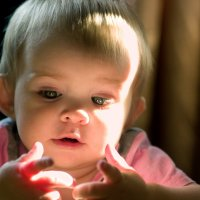 А вы знали, что у малышей прозрачные пальчики? :: Антон Ильяшенко