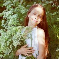 Девочка с цветами :: Римма Алеева