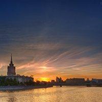 Закат над рекой :: Александр Матюхин