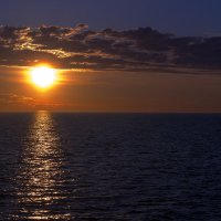 Восход над Ладогой :: Александр Л