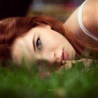 Солнечная девушка с игривым характером :) :: Дмитрий Арно