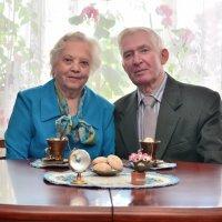 Бабушка рядышком с дедушкой!... :: Анастасия Иноземцева