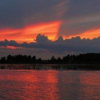 Закат на озере. :: Виктор Грузнов