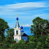 небо, зелень и церквушка...) :: Андрей