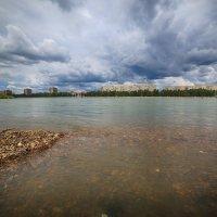 Река и набережная. :: Виктор Гришенков