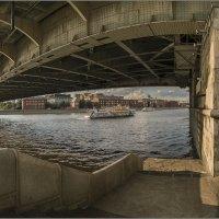Мощь Крымского моста. :: Владимир Елкин