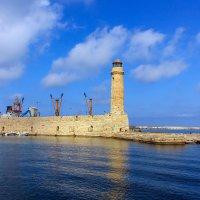 Старый маяк :: Евгений Землянухин