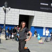 Уличный жонглер :: Наталья Пономаренко
