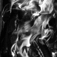 маска пламеная :: МИХАИЛ КАТАРЖИН