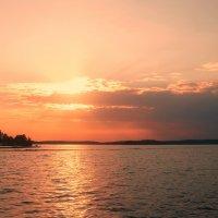 У озера,,, :: Ирина Елагина