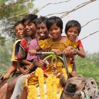 Индийские дети, Пури :: Andrey Ponkratov