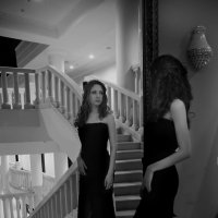 У зеркала :: Женя Рыжов