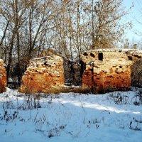 древние стены монастыря :: Сергей Кочнев