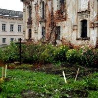 возрождение  монастыря :: Сергей Кочнев